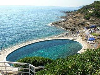 Villa con piscina vista mare a Porto Azzurro