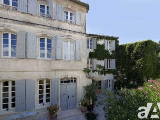 Historic Mansion In The Heart Of Fontvieille Village (alpilles)