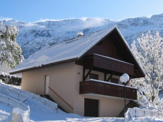 LUXURY SPACIOUS CHALET  - VAUJANY NEAR ALPE D'HUEZ FOR SKI AND CYCLING