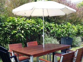 Mod. Coastal Villa w/Garden & Free WiFi - near Award Winning Beaches & Santander