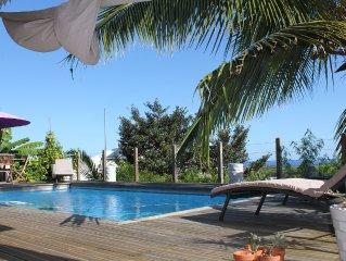 Villa avec piscine, vue mer et montagne