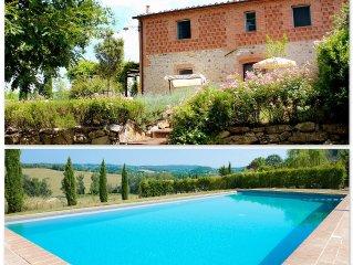 Casolare in borgo con piscina, giardino e vista panoramica sulle colline senesi