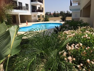 Luxury 3 double bedroom Apartment With Large 14m x 7m Shared Pool and Free WiFi
