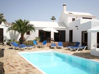 Casa Maja, secluded luxury villa, electrically heated pool, fiber Wi-Fi, all TV