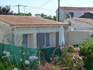 Maisonnette classée ***  de pays avec jardin. éligible 100€ remboursés