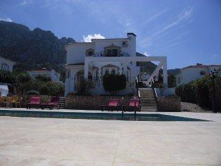 Tranquil villa, breathtaking sea and mountain views, fee wifi no hidden extras!