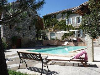 Grande maison avec piscine, ideal pour 2 familles, 14 couchages