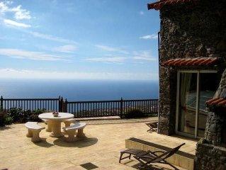 Casa Rochinha,spectacular views,very spacious,heated pool