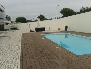 apartamento com piscina a 200 m da praia