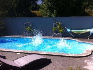 Joli Maison piscine a 7mn de l hypercentre Bordeaux