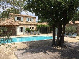Belle maison en pierre avec piscine chauffee & securisee et climatisation