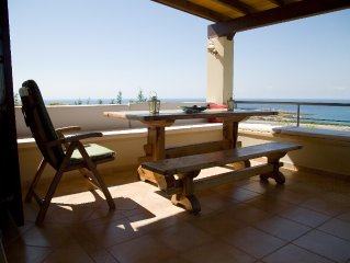Peacefully located villa with stunning sea views