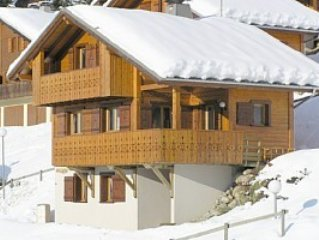 Lovely 4 bedroom chalet in glorious location, Chatel, Portes du Soleil