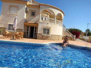 Alicante Villa With Air-con and A Private Pool With Large Secure Tiled Sun Area