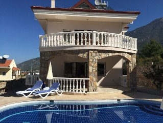 Detached Villa - Private Pool - Stunning Mountain Views