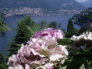 COMO HOME WITH GARDEN  PRIVATE INCLUDED 2 BEDROOMS LAKE VIEW      PARKING  WI-FI