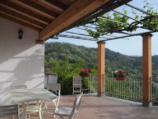 'LA CASA DEL PERGOLO' : Casa indipendente sulle colline di Arcola