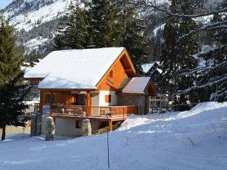 Chalet superbe! été et hiver. Free wifi, sauna et bellevue !!!