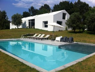 Casa com 4 quartos e piscina privativa