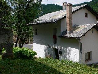 Bonita casa de piedra restaurada, justo en el borde del Parque Nacional Triglav