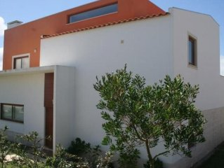 Spacious detached villa close to Obidos lagoon, golf, beach, private pool & WiFi