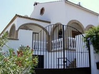 A luxury villa with Private Pool, air conditioning and all modern facilities.