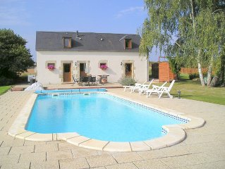 Rural gite, heated pool, southern loire, fantastic views, very relaxing