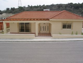 Luxury 3 bedroom villa near Limassol with free wifi, private pool and garden