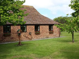 Set In A Fantastic Semi Rural Position With Large Garden And Private Pool