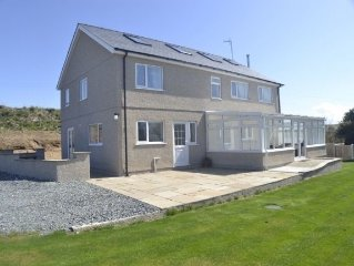 Detached renovated Farnhouse In Prime Location  Near Nefyn And Morfa Nefy