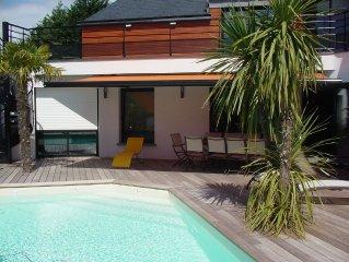 Villa spacieuse avec piscine chauffée, proche des plages, 8 personnes