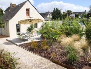 Maison tres calme, centre village, jardin clos plein sud