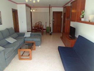 Apartamento en el casco urbano de sanxenxo con vistas al mar