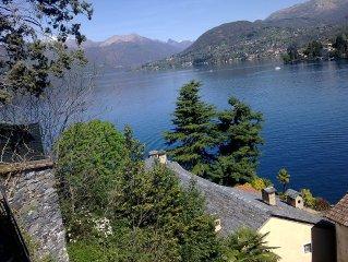 Isola Lago d'Orta: Camere doppie e singole in antica villa riva lago, giardino