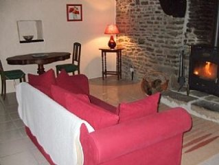 Ideal For 2, Normandy/Brittany borders, Nr Avranches, easy access Ports
