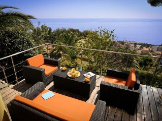 Beautiful panoramic sea view, private garden and sun deck - minutes from Monaco
