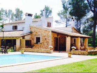 Casa de Piedra 270m2, Piscina privada, 35.000 m2 de terreno.