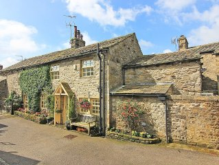 4 Bed Executive Character Cottage Within The Heart Of The Village