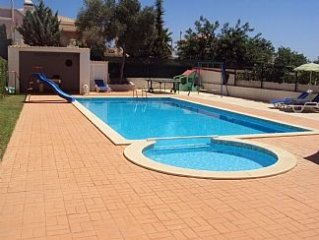 Luxury 4/5 Bedroom Algarve Villa With Private Pool And Rear Sea Views.