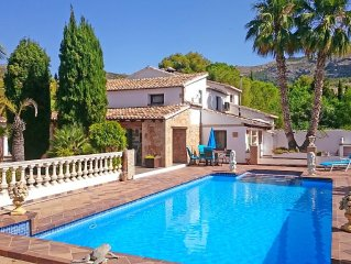Authentic Spanish finca, set in quiet area in Jalon Valley