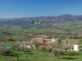 Beautiful large rural mountainside Cortijo with 'wow' lake & sea views