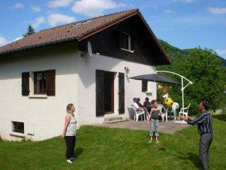 Maison à proximité du village avec grande terrasse dans les Hautes Vosges
