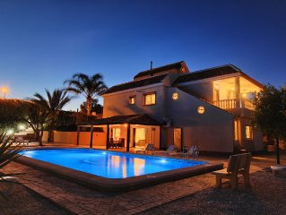 Luxury Villa with heated private pool, 5 bedrooms and 4 bathrooms, 3 kitchens !