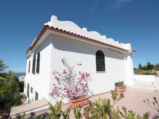 Villa Lory: comoda e ampia villa, vista mare, a 300 mt dalla spiaggia