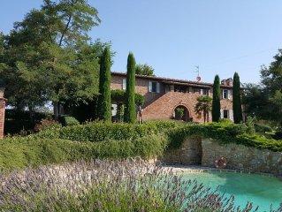 Splendido casale del 1600 totalmente ristrutturato con piscina panoramica