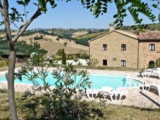 Rural farmhouse apartment near San Ginesio with pool, & panoramic views