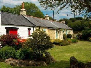 'Award Winning' Beautiful 170 Year Old Pembrokeshire Stone Holiday Cottage