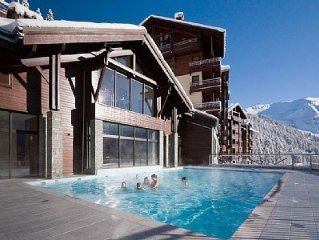 5* Ski-In Ski-Out Apartment With Pool, Jacuzzi, Sauna, Gym & Wifi