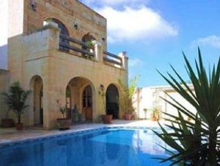 Holiday Farmhouse in Sannat with Private Pool.