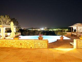 Impresionante villa en centro Ibiza. Vistas panoramicas ET-0311-E